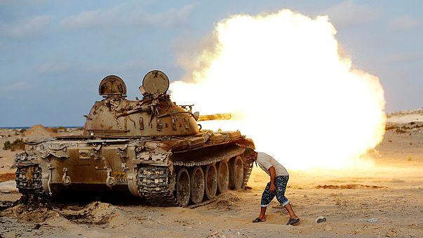 Λιβύη: Προελαύνουν οι φιλοκυβερνητικές δυνάμεις στη Σύρτη