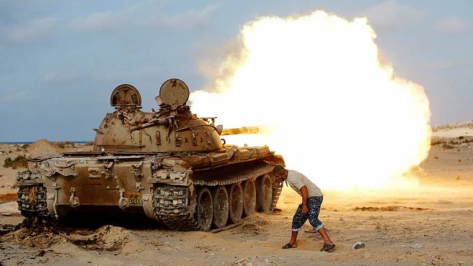 پیشروی نیروهای لیبی در سیرت همزمان با ادامۀ بمباران داعش توسط آمریکا