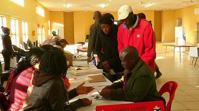 Güney Afrika kritik yerel seçimler için sandık başında