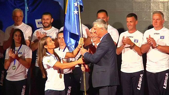 Koszovói sportolók koszovói zászló alatt
