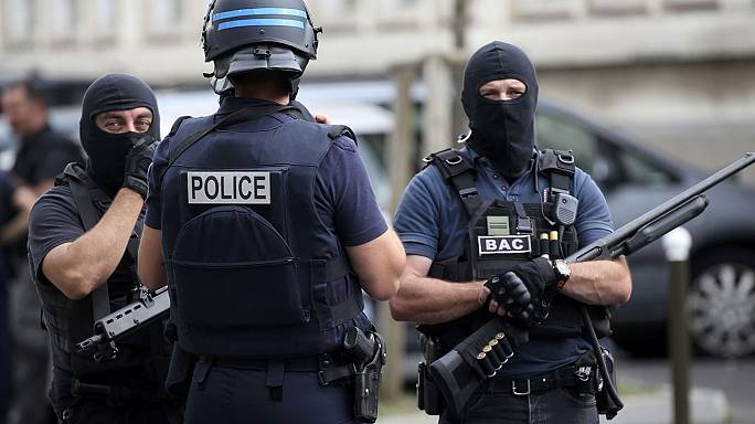 رفد الأمن الفرنسي بعناصر جديدة من الدرك والشرطة الاحتياطيين