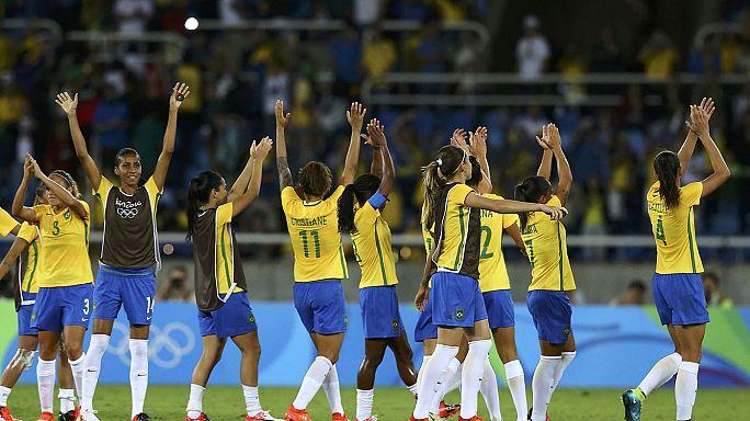 Kadın futbolcular Olimpiyat Oyunları'na başladı