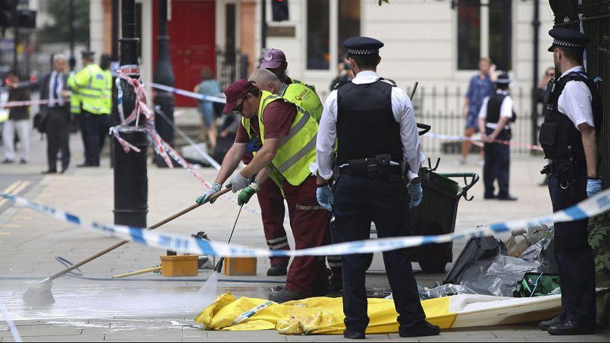 İngiliz polisi Londra'daki bıçaklı saldırının terör eylemi olmadığı görüşünde