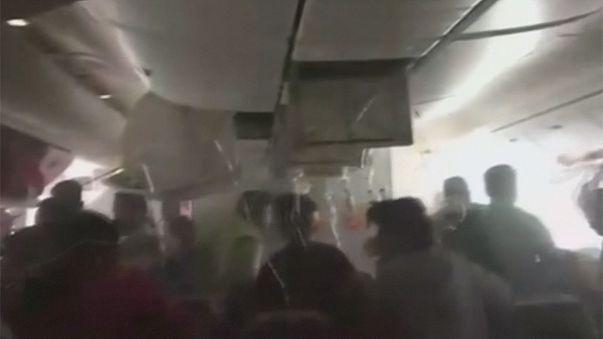 Imagens de vídeo amador mostram momentos de pânico vividos por passageiros após incêndio de avião no Dubai