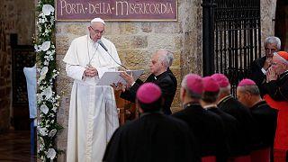 Francisco reclama en Asís la necesidad del perdón para vencer al fanatismo