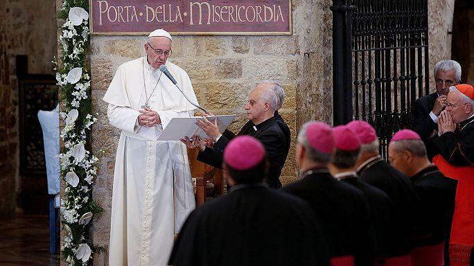 Papa'dan uzlaşı ve barış mesajı