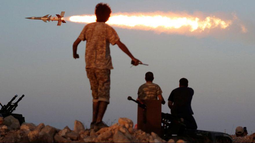 Las fuerzas progubernamentales libias piden a Estados Unidos que intensifique sus bombardeos sobre Sirte