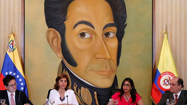 Venezuela e Colômbia negoceiam reabertura de fronteiras