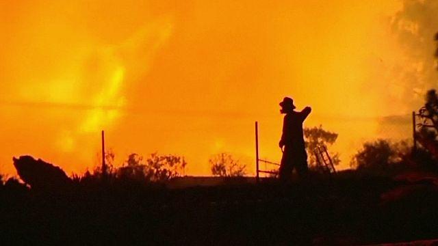 حريق ضخم في لابالما احدى جزر الكناري