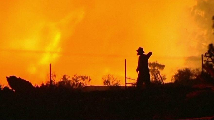 تلاش برای مهار آتش سوزی گسترده در جزایر قناری