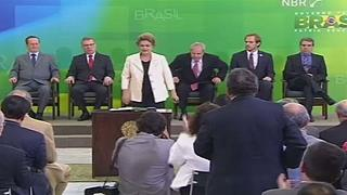 Brésil : une commission sénatoriale approuve la destitution de Dilma Roussef