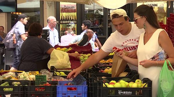 New Italian law encourages supermarkets to give away unsold food to those in need