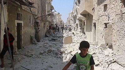 Syrie : l'État islamique perd Minbej, les insurgés avancent à Alep