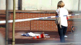 Nádvágóval sebesítettek meg rendőröket Belgiumban