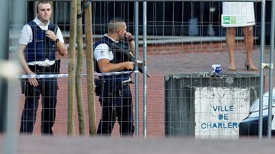 Muere un presunto yihadista tras herir con un machete a dos mujeres policía en la localidad belga de Charleroi