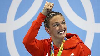"""JO : Hosszú, la """"Dame de fer"""" hongroise, décroche l'or et pulvérise le record du monde du 400m 4 nages"""