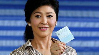 Új alkotmányról döntenek Thaiföldön