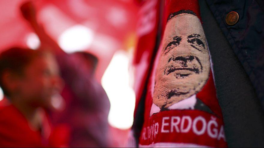 """Turquie : un """"rassemblement pour la démocratie et les martyrs"""""""