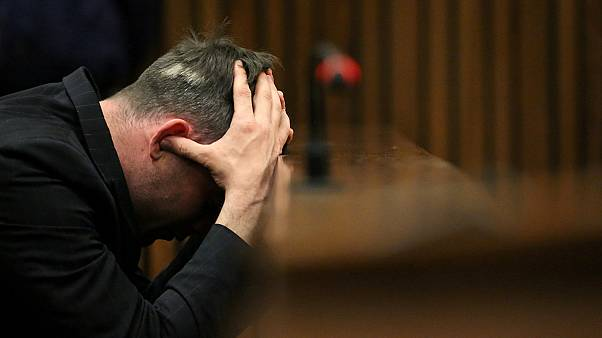 Oscar Pistorius nega tentativa de suicídio
