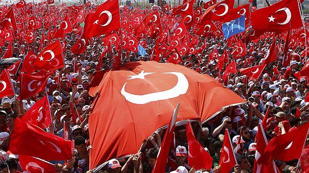 Százezreket mozgósított Erdogan
