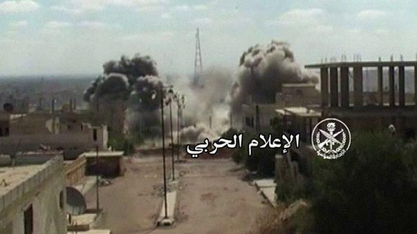Rebels who broke siege of Aleppo come under air-attack
