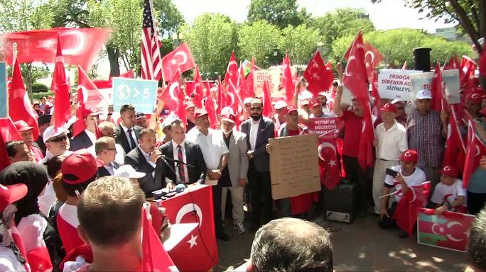 فعاليات تضامنية مع الحكومة التركية في أميركا وصربيا