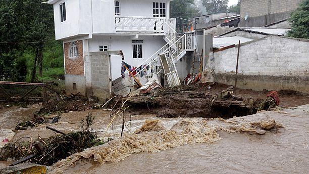 Dozens killed in mudslides on Mexico's Pacific coast