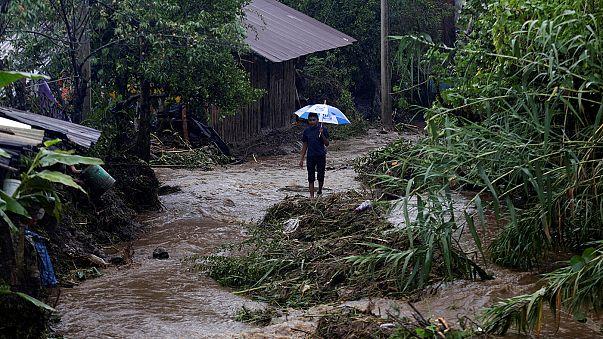 المكسيك: قتلى جراء انهيارات أرضية ناجمة عن العاصفة ايرل