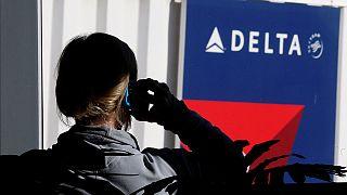 Компьютерный сбой вызвал задержку и отмену авиарейсов Delta по всему миру