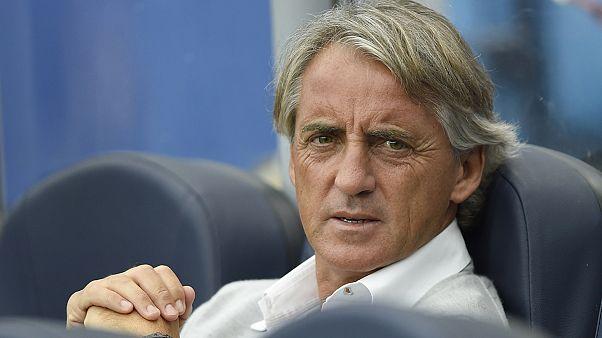 Roberto Mancini deja de ser entrenador del Inter de Milán.