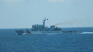 Isole contese: Filippine cercano negoziato con Cina, ex presidente vola a Hong Kong