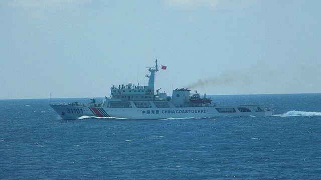 الصين : زيارة لرئيس الفلبين السابق واليابان تحذر من اختراق مياهها الاقليمية