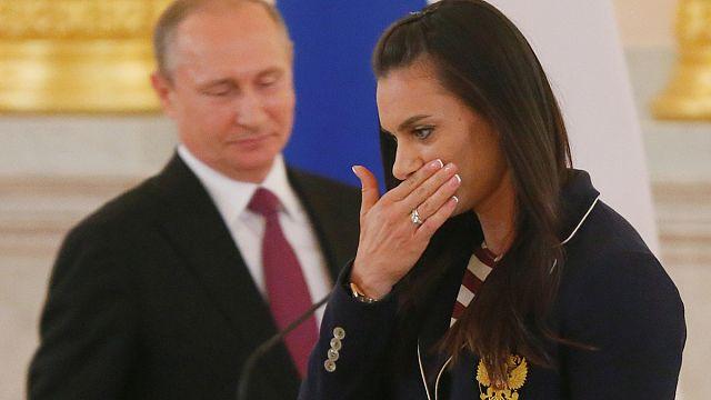 البطلة الأولمبية الروسية ايلينا ايسينبايفا تحرم من المشاركة في ريو