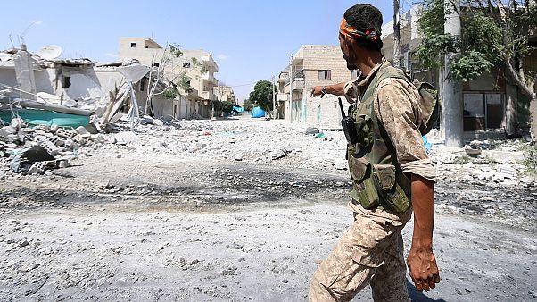 بمباران ها و درگیری های نظامی در حلب همچنان ادامه دارد