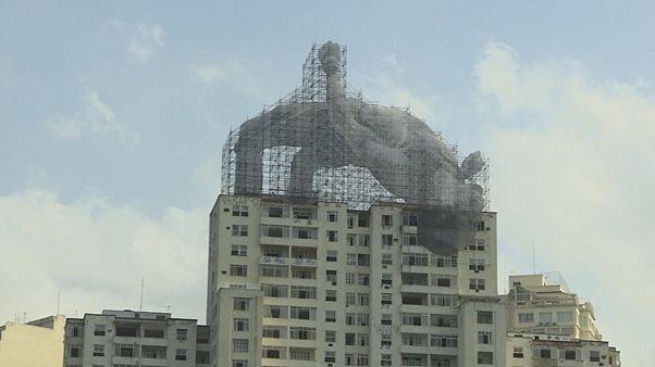 Hatalmas installációk hirdetik az olimpiát Rióban