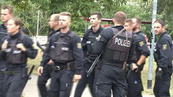 La police allemande toujours à la recherche d'un assaillant armé d'un couteau