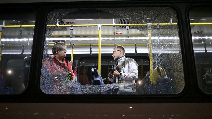 Rio2016: tiros atingem autocarro com jornalistas
