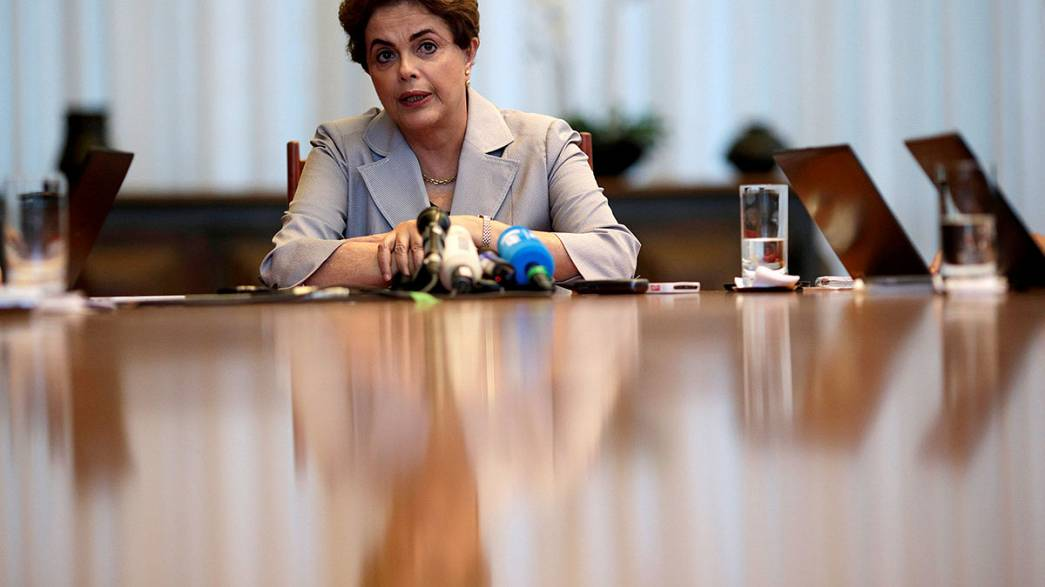 سنای برزیل با تایید دادگاهی شدن دیلما روسف، راه را برای استیضاح او هموار کرد