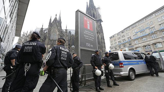 """وزير الداخلية الألماني: """"التهديد الإرهابي في مستوى عالٍ"""""""