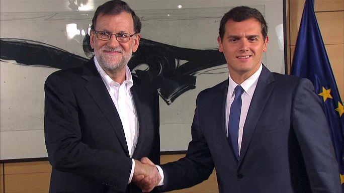 Espagne : rencontre conservateurs - libéraux pour un éventuel accord de gouvernement