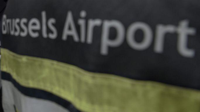 الأمن يعود في مطار بروكسل بعد تبليغات عن وجود قنابل في طائرتين
