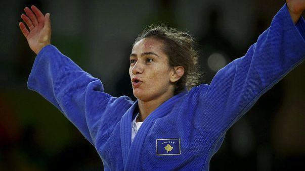 Büszke a sikerére Koszovó első olimpiai bajnoka