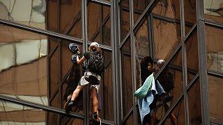 ضبط رجل تسلق برج ترامب في نيويورك