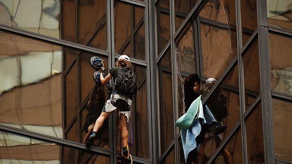 Homem que escalava a Trump Tower foi detido
