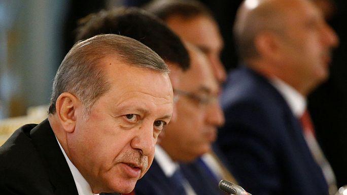 """Cumhurbaşkanı Erdoğan ABD'ye seslendi: """"Ya Türkiye ya FETÖ"""""""