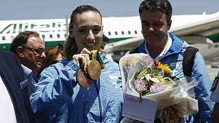 Η Ελλάδα υποδέχθηκε την «χρυσή» Άννα Κορακάκη : «Θέλω να γίνω κίνητρο για τους νέους»