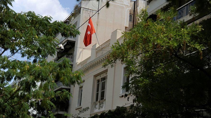Türkische Diplomaten setzen sich ab