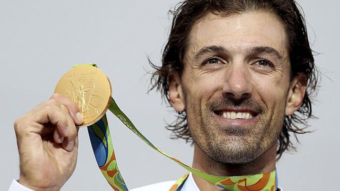 السويسري كانسيلارا يفوز بذهبية منافسات الدراجة الهوائية في ريو