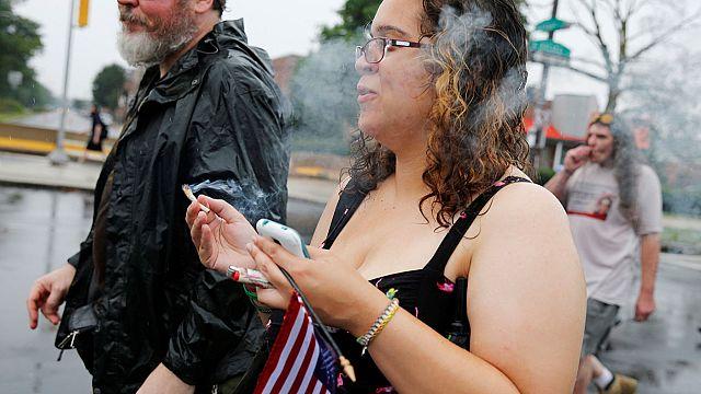 ABD: Esrar yasak madde olarak kalmaya devam edecek