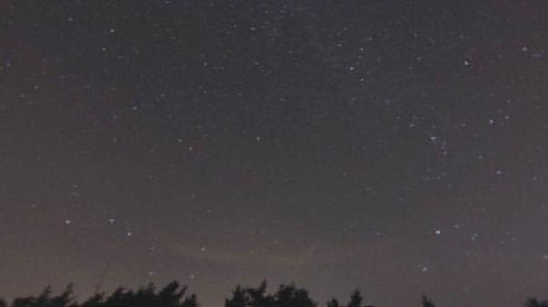 """ظاهرة""""شهب البرشاويات"""" السنوية تسطع في السماء ليلة الخميس"""